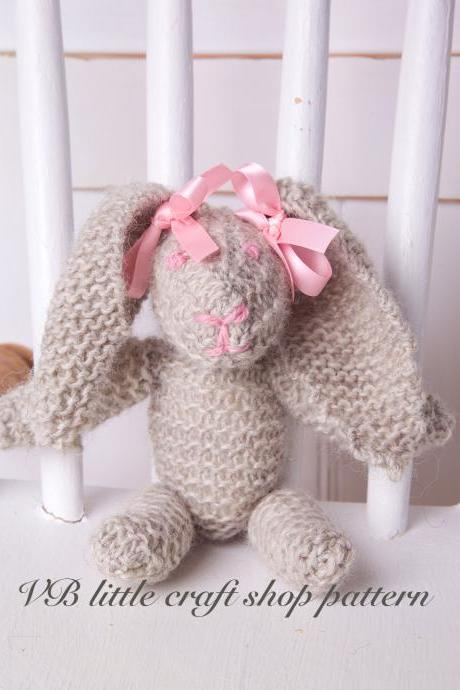 Rabbit soft toy knitting pattern. Quick knit! Easy pattern!